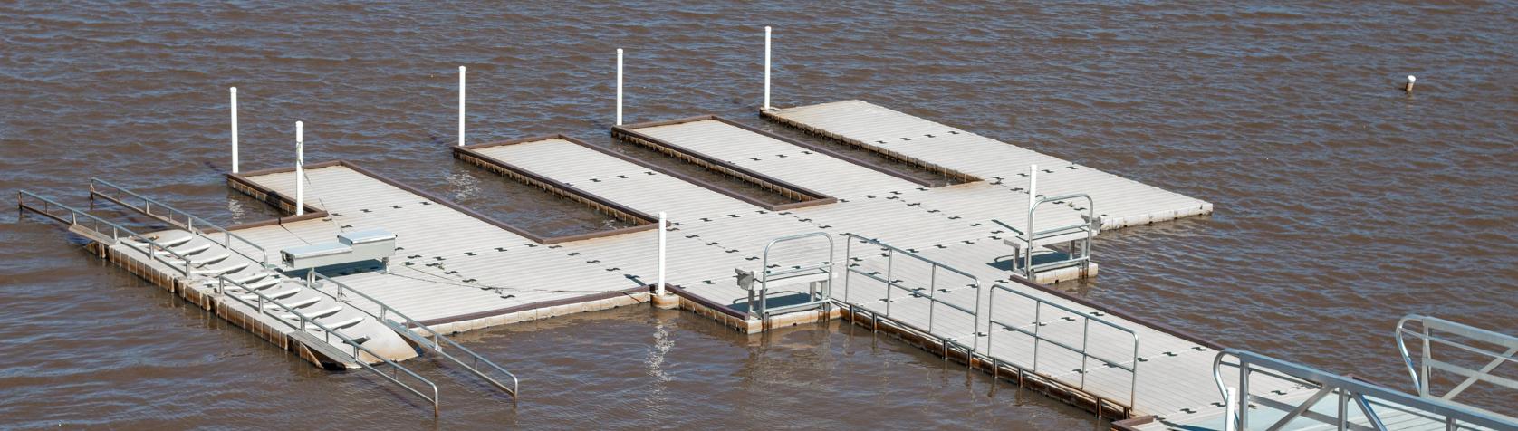 docks-onlake